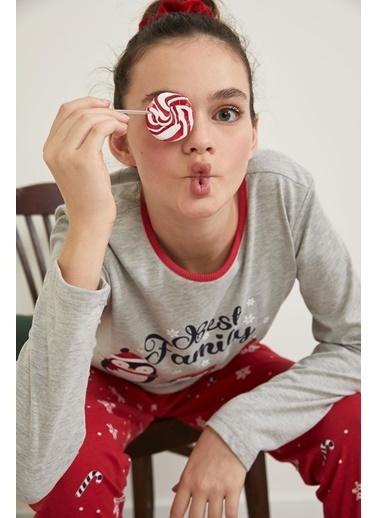 Defacto –Fit Yılbaşı Konseptli Uzun Kollu Pijama Takımı Kırmızı